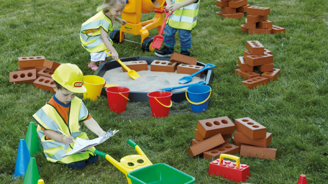 busy_builders_construction