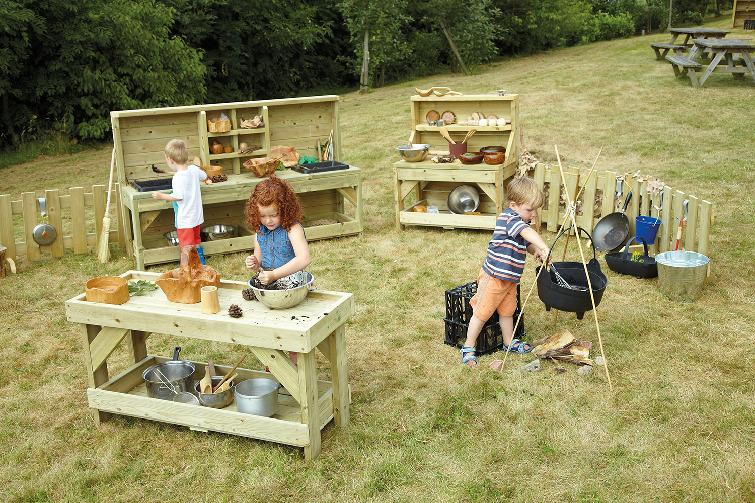 How to do primary outdoor play well by Alistair Bryce-Clegg