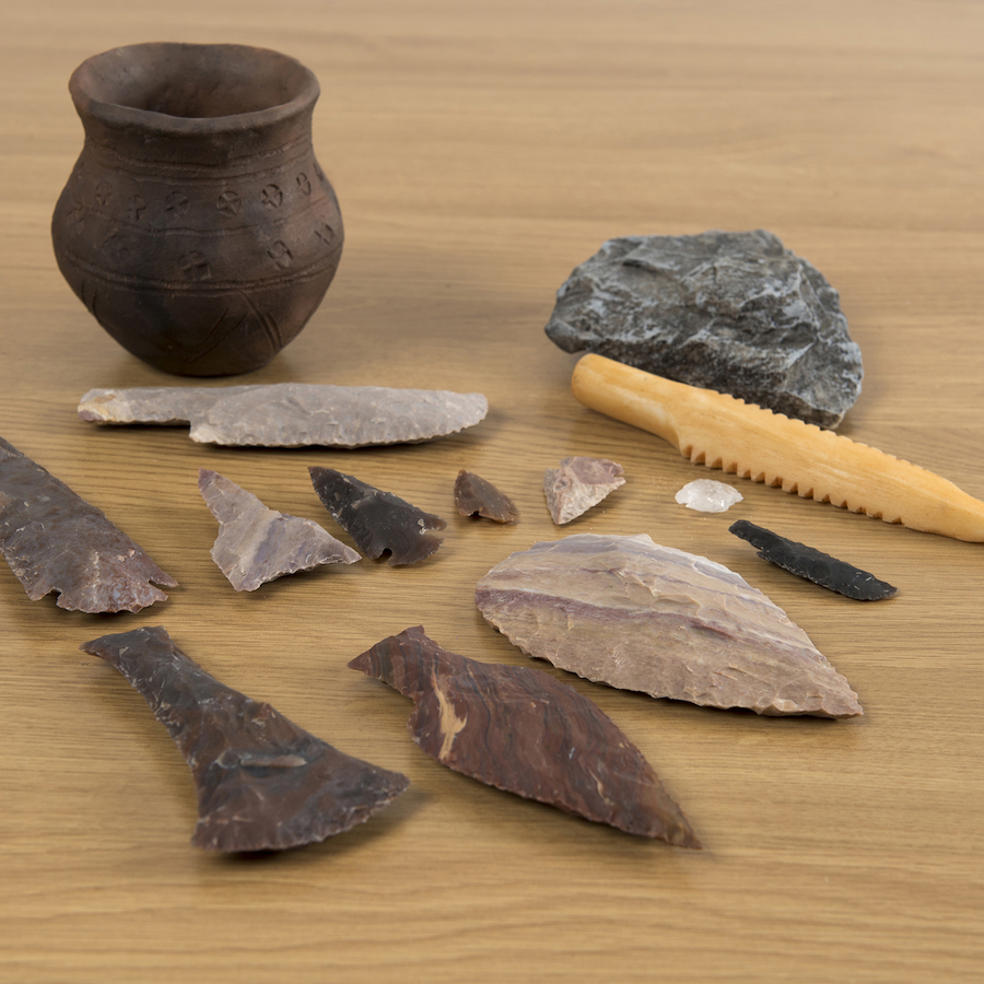 stone ages Description the following lesson includes information pertaining to the ways in which man lived during the old stone age and the new stone age.