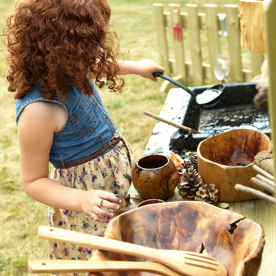 mud kitchens - top ideas for using your mud kitchen