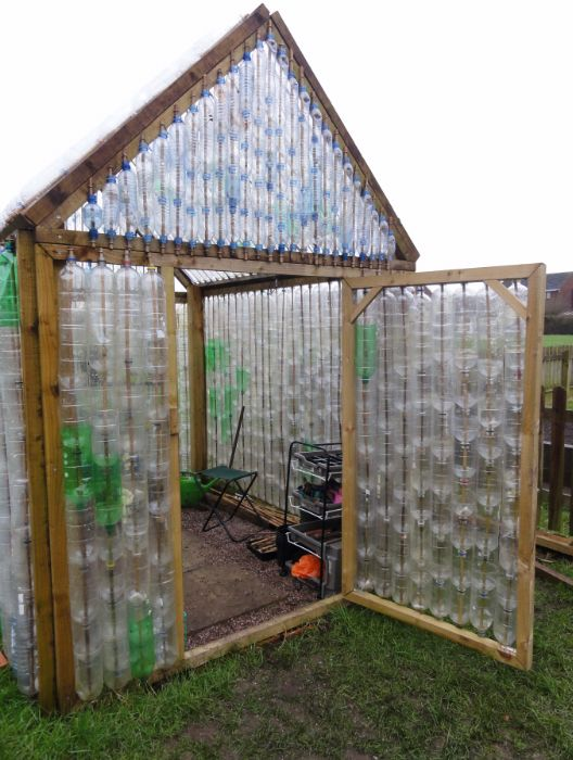 greenhouse from recycled bottles